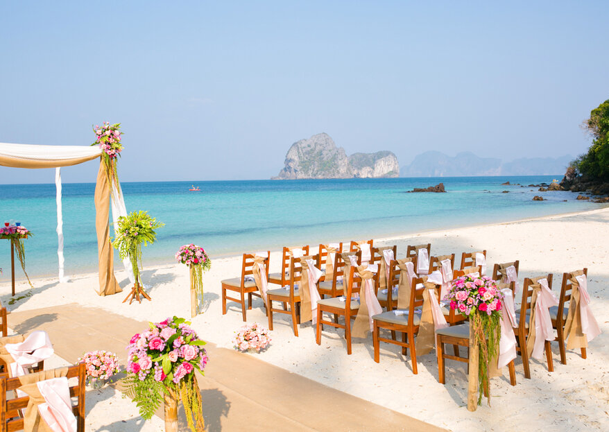 15 Reasons Why You Should Get Married Abroad