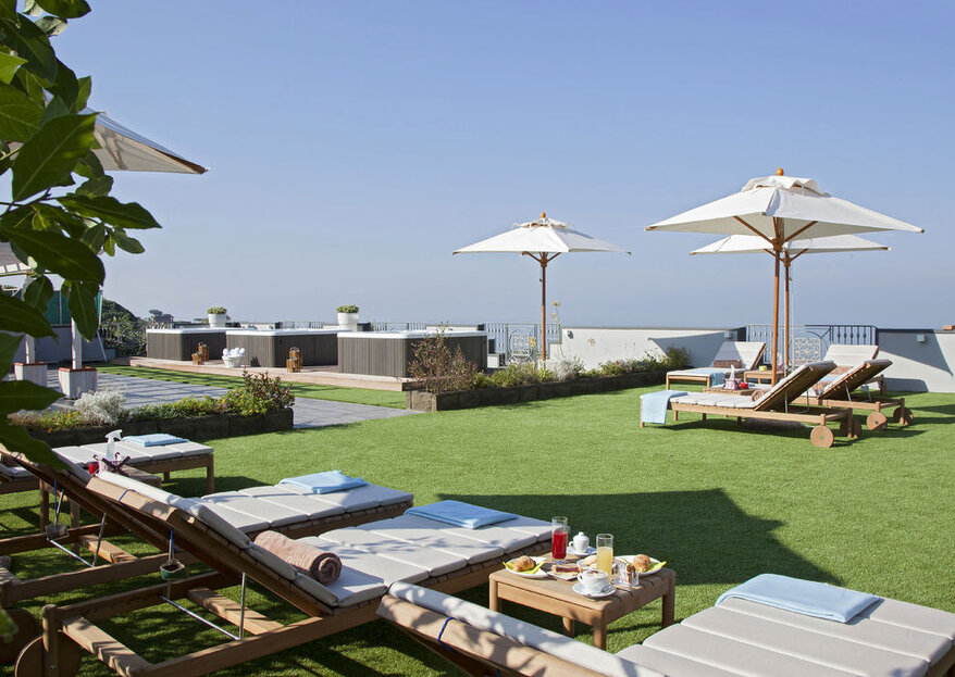 Andris Hotel: an enchanting destination wedding venue overlooking the Gulf of Naples